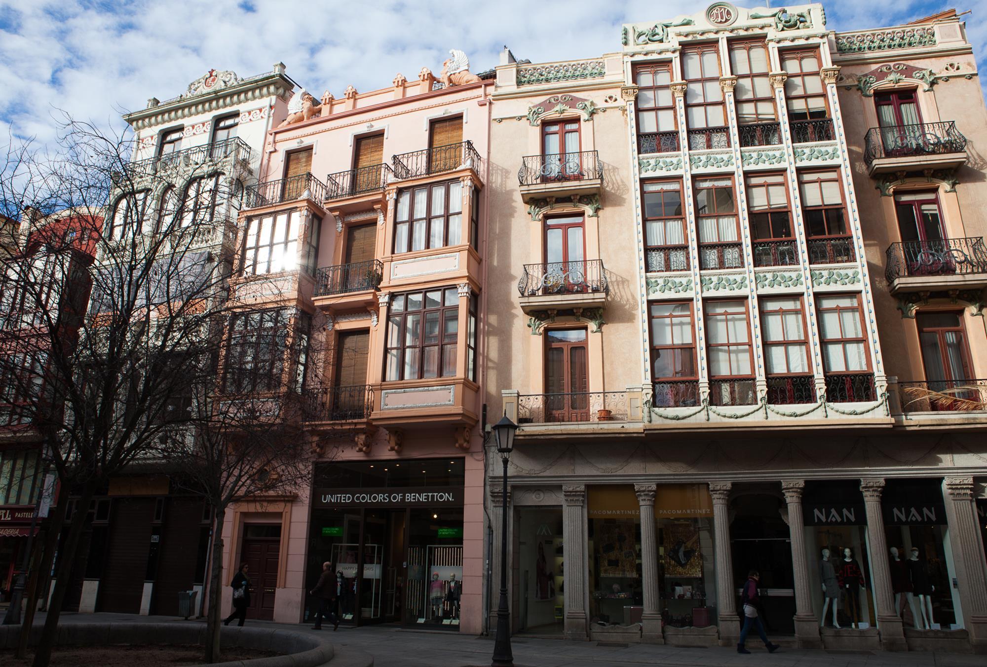 La casa de Roberto Macho es uno de los principales edificios de la plaza Sagasta.