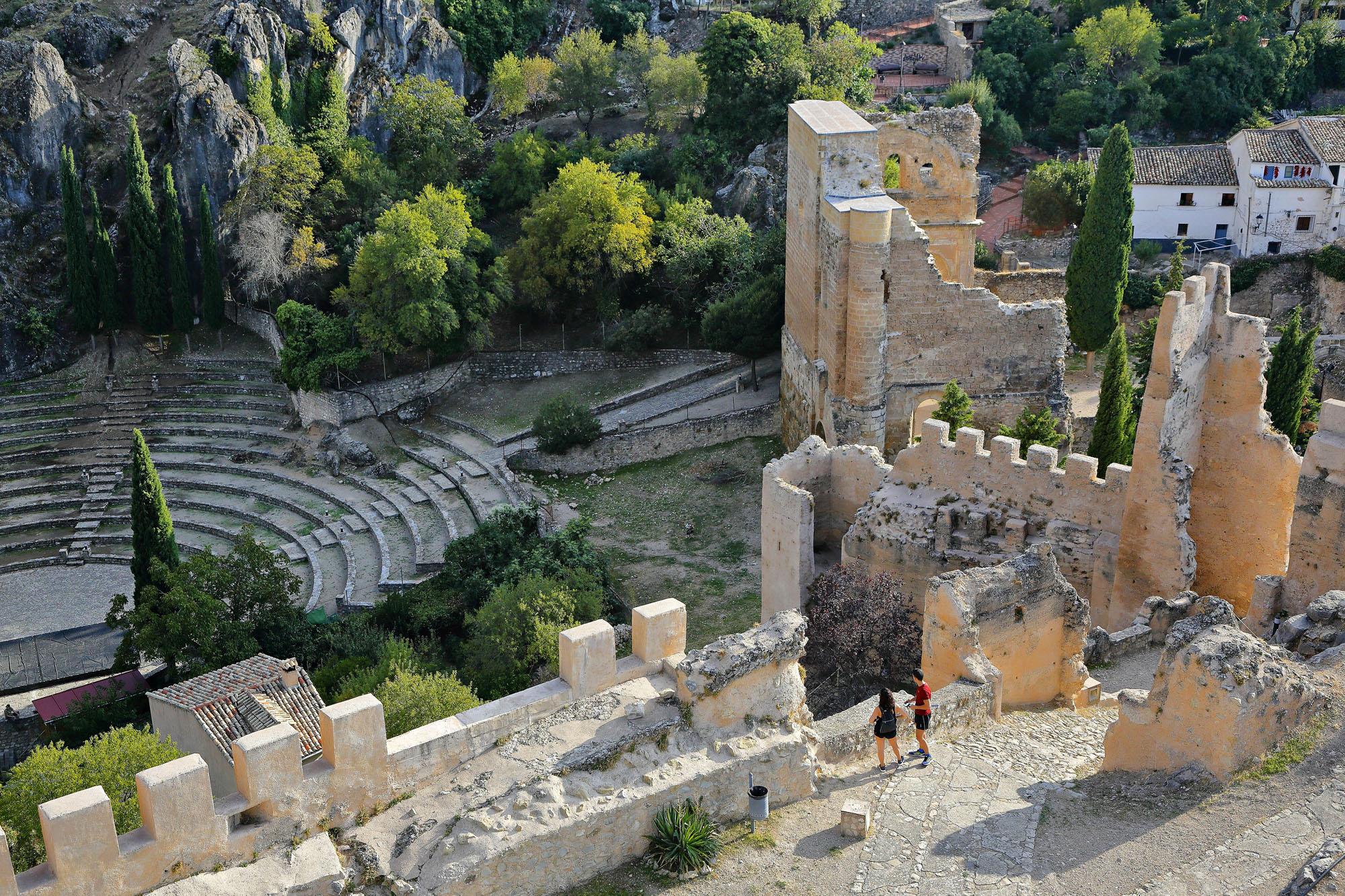 El anfiteatro romano que se ve desde el castillo se construyó en los años 90.