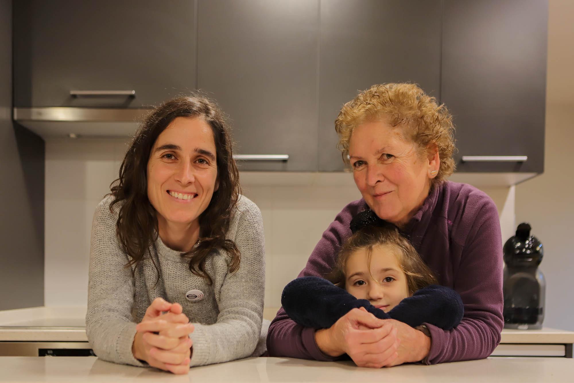 Izarra, Pilar y Lea, las tres generaciones de la familia.