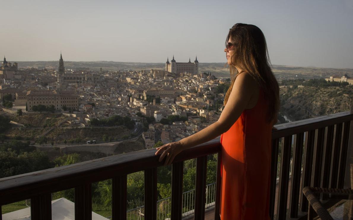 La ciudad de las tres culturas se extiende ante la habitación 420 del Parador de Toledo.