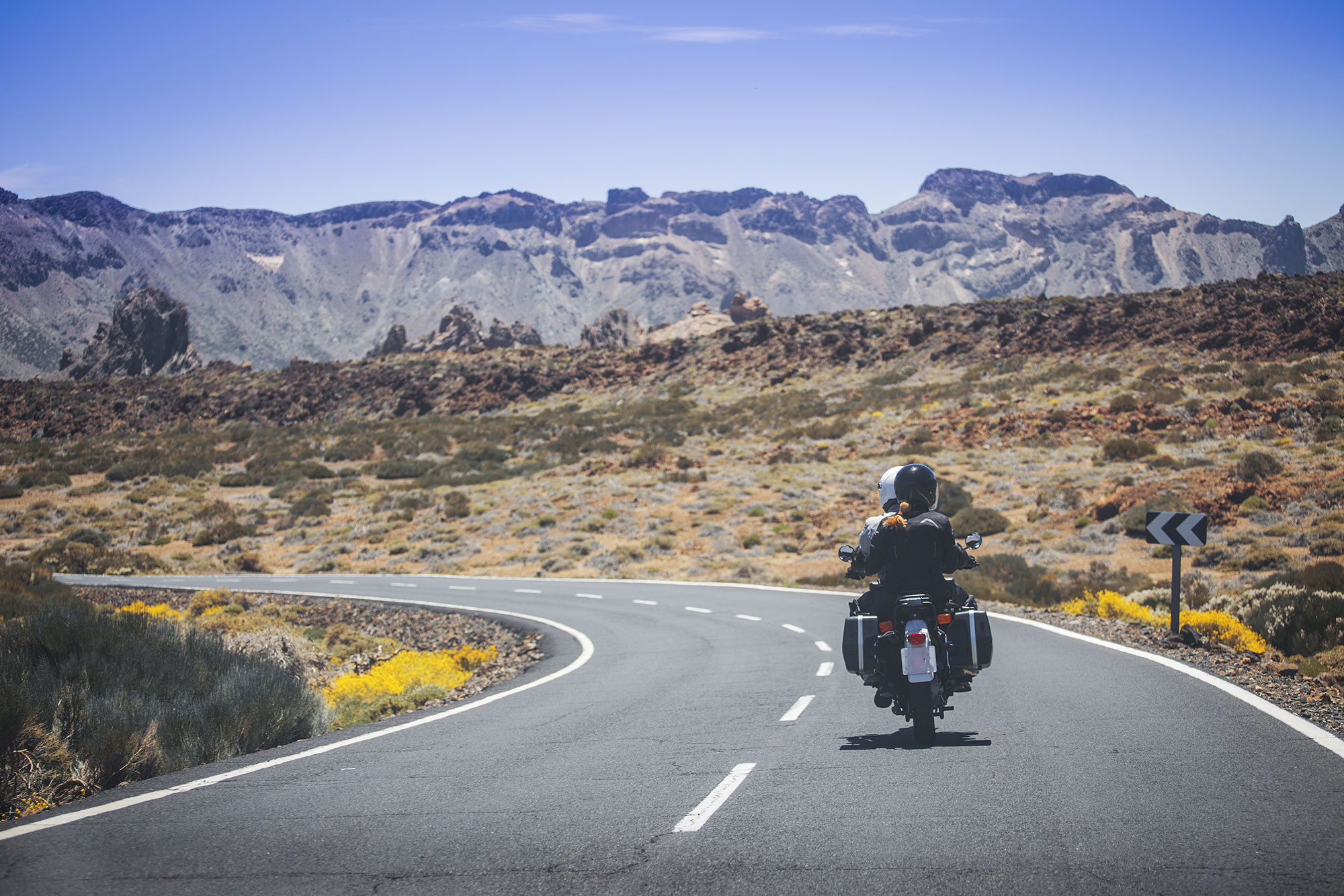 Las parejas que eligen viajar en moto aseguran que incrementa la confianza entre ambos. Foto: Shutterstock.