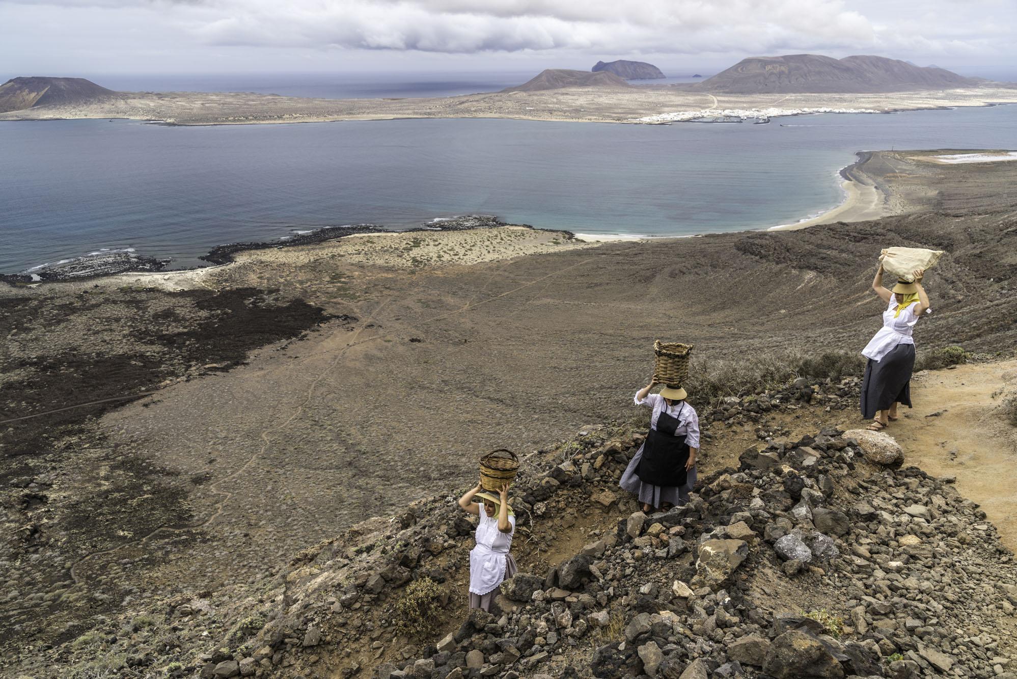 Las mujeres de la Graciosa recorrían la isla a diario con cestas de pescado sobre sus cabezas.