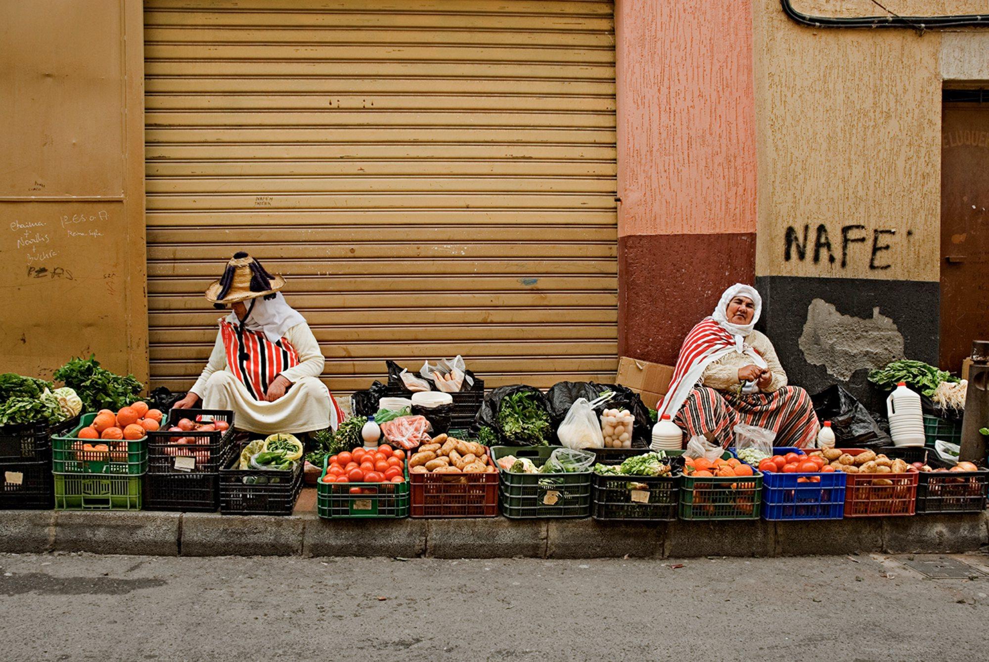 Ceuta musulmana: vendedoras callejeras en El Príncipe