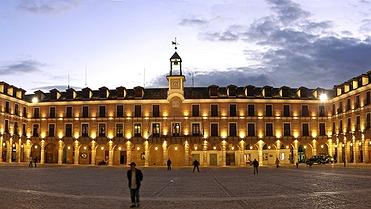 Las plazas mayores más bonitas de España