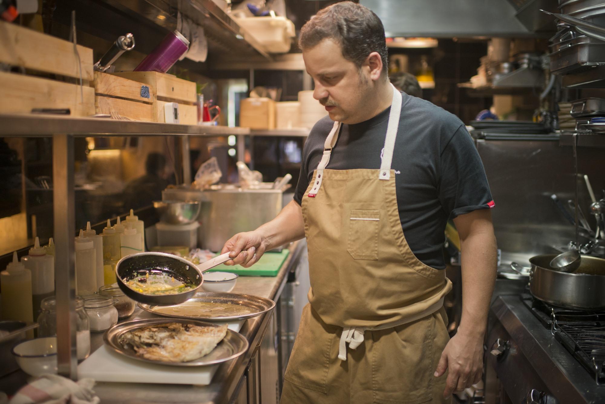 Rodrigo García, tras éxitos como 'Chuka Ramen Bar', controla la cocina de 'Arima'.