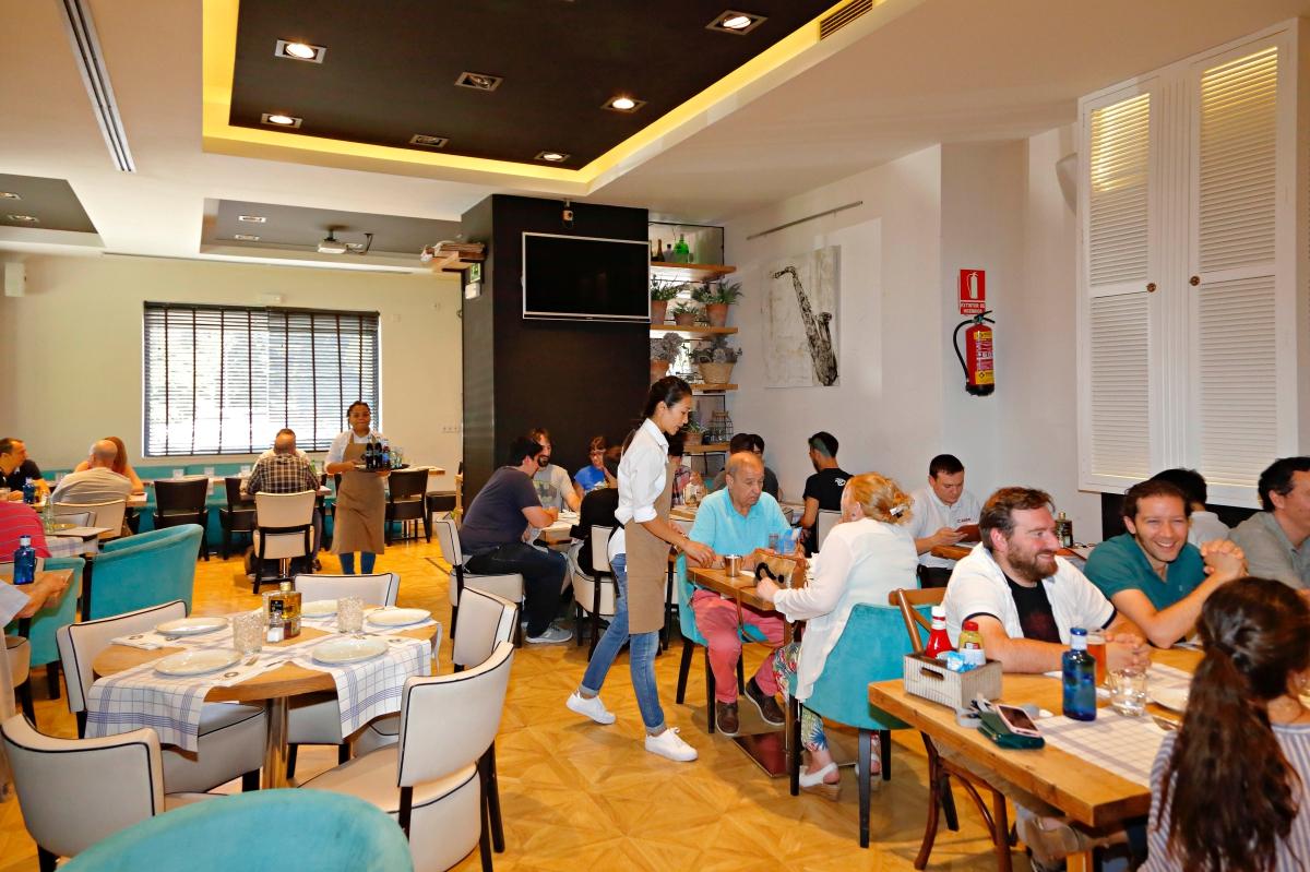 Una visita a 'Queen Burger Gourmet' y te costará creer que sigues en Madrid. Foto: Roberto Ranero.