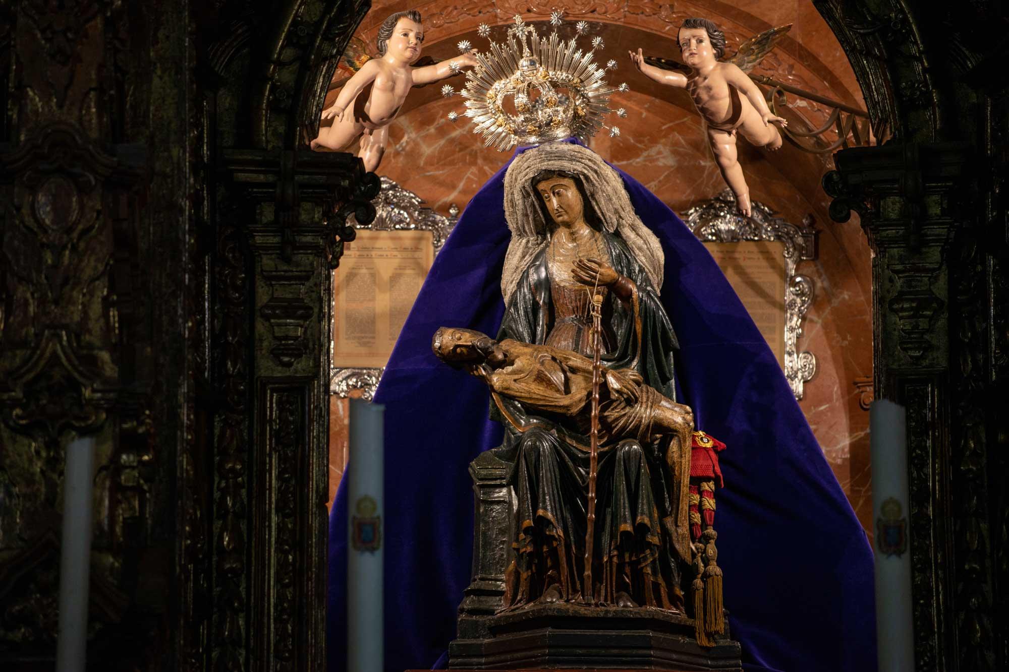 Talla de la piedad Nuestra Señora de África en Ceuta.
