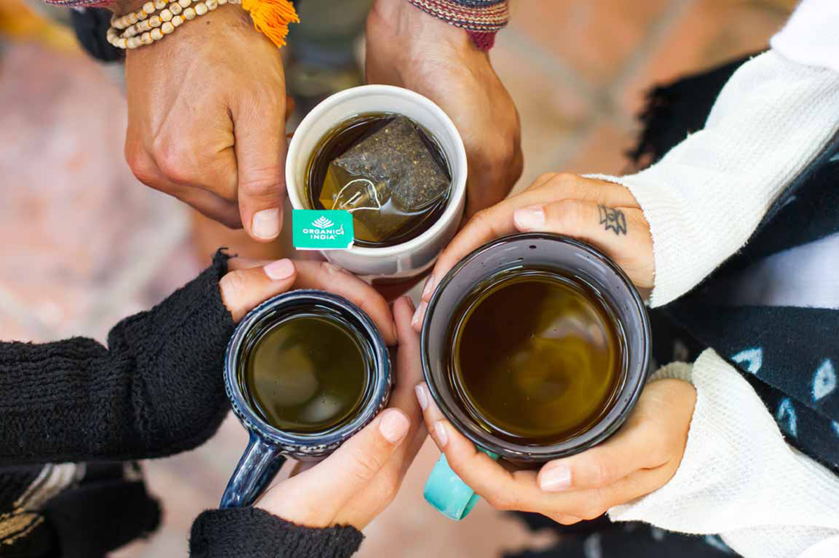 Nada ayuda más contra el frío que una buena taza de tu mezcla parecida. Foto: Indiaveda