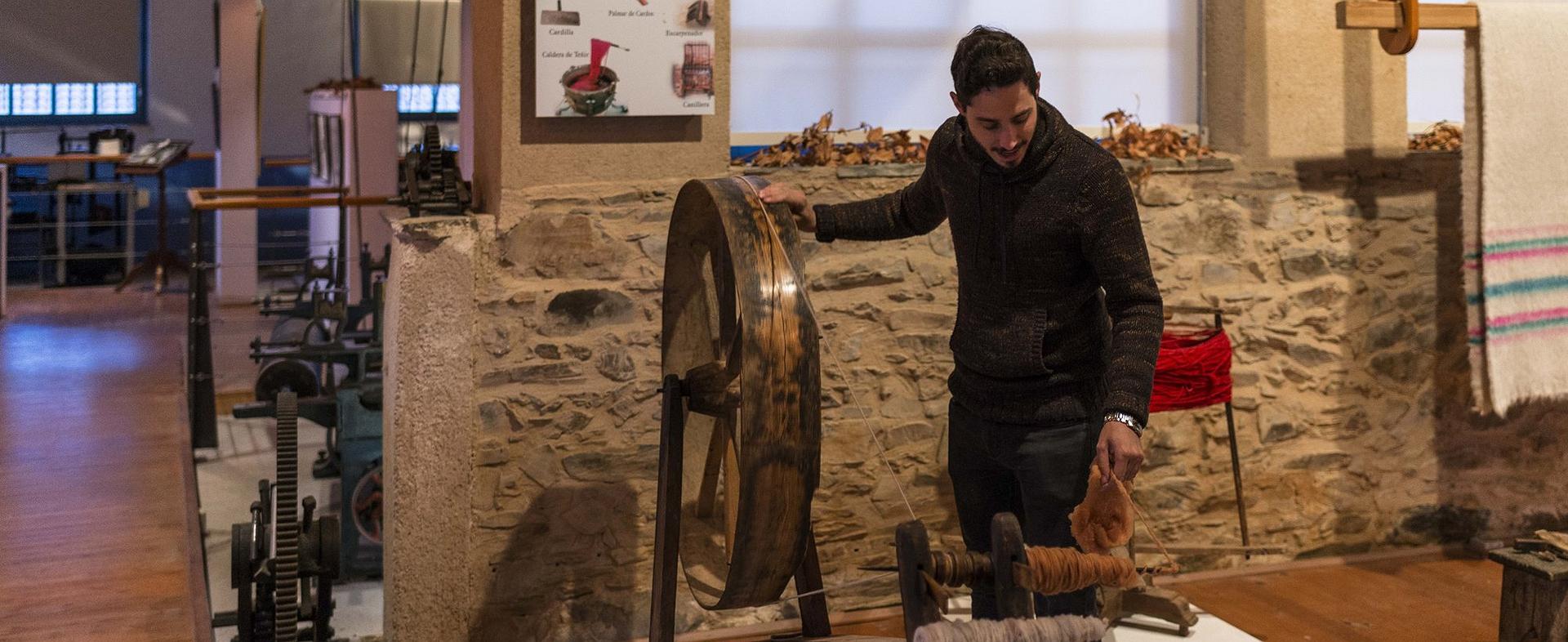Un día en Val de San Lorenzo (León): Posada Real 'La Lechería' y Museo Textil