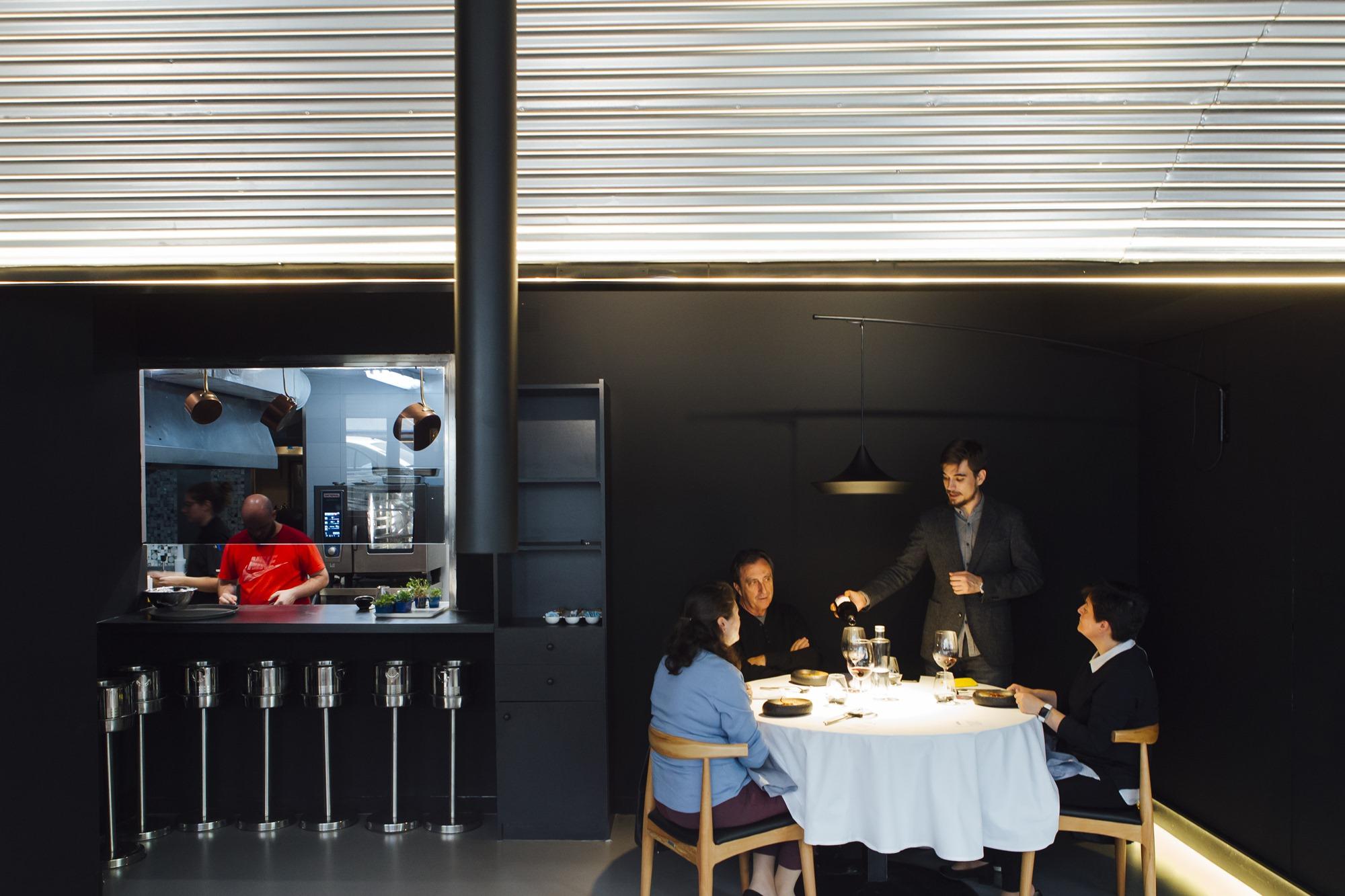 Luis Ángel Pérez en la cocina y Borja Rivero en la sala forman el combo perfecto.