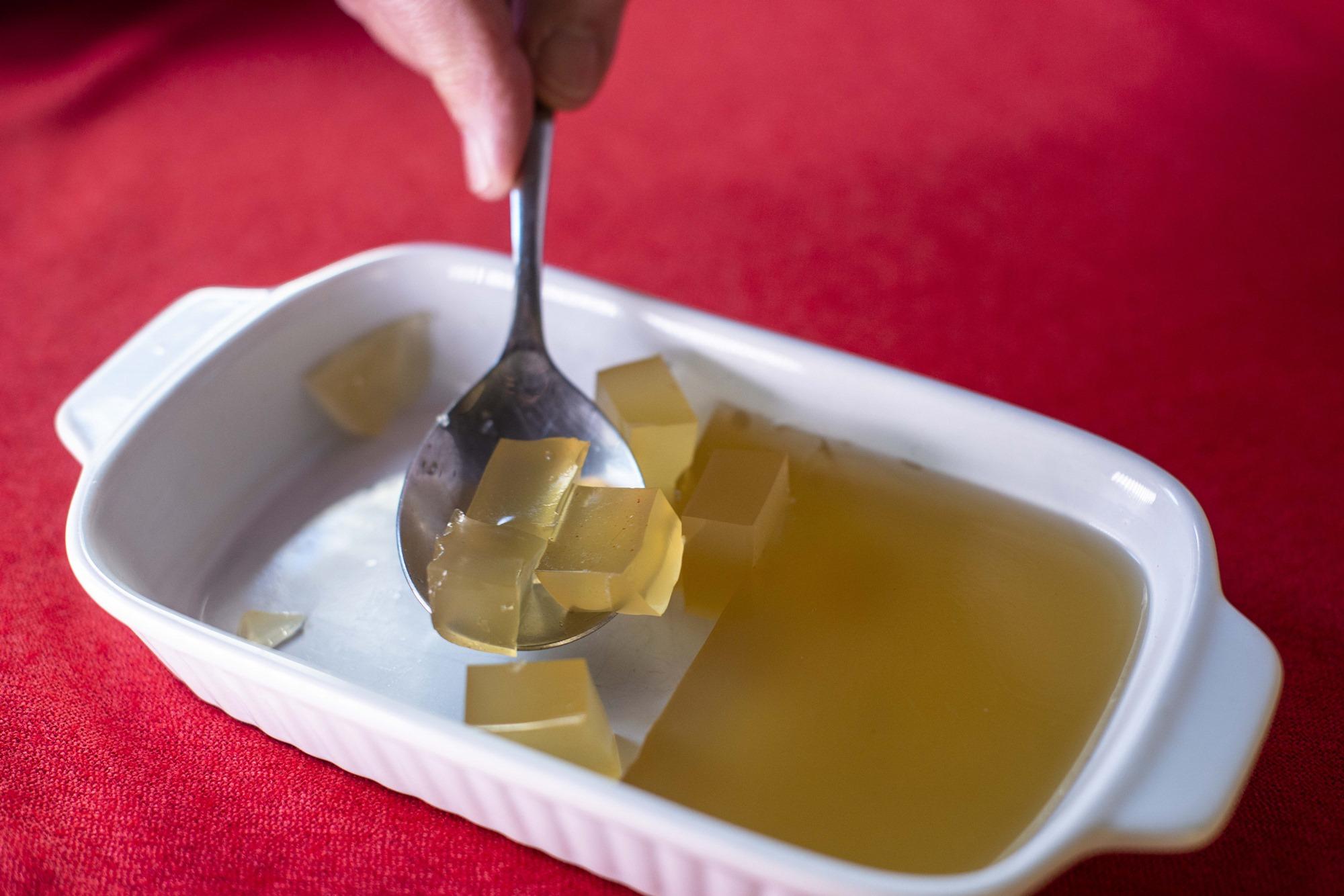 La gelatina da una textura diferente a este menú de Navidad.