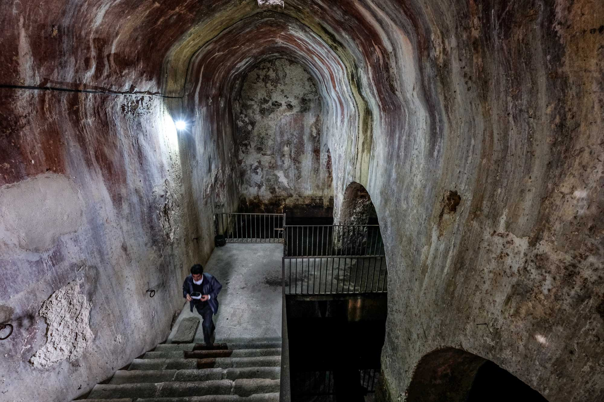 Interior del aljibe árabe de Trujillo.