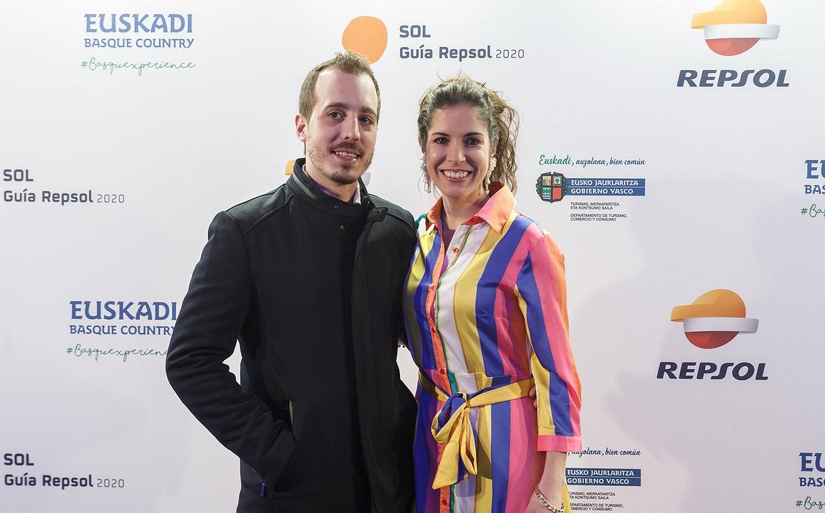 Photocall Gala Soles Guía Repsol - Carolina Sánchez e Iñaki Murua, los chefs de 'Íkaro'.