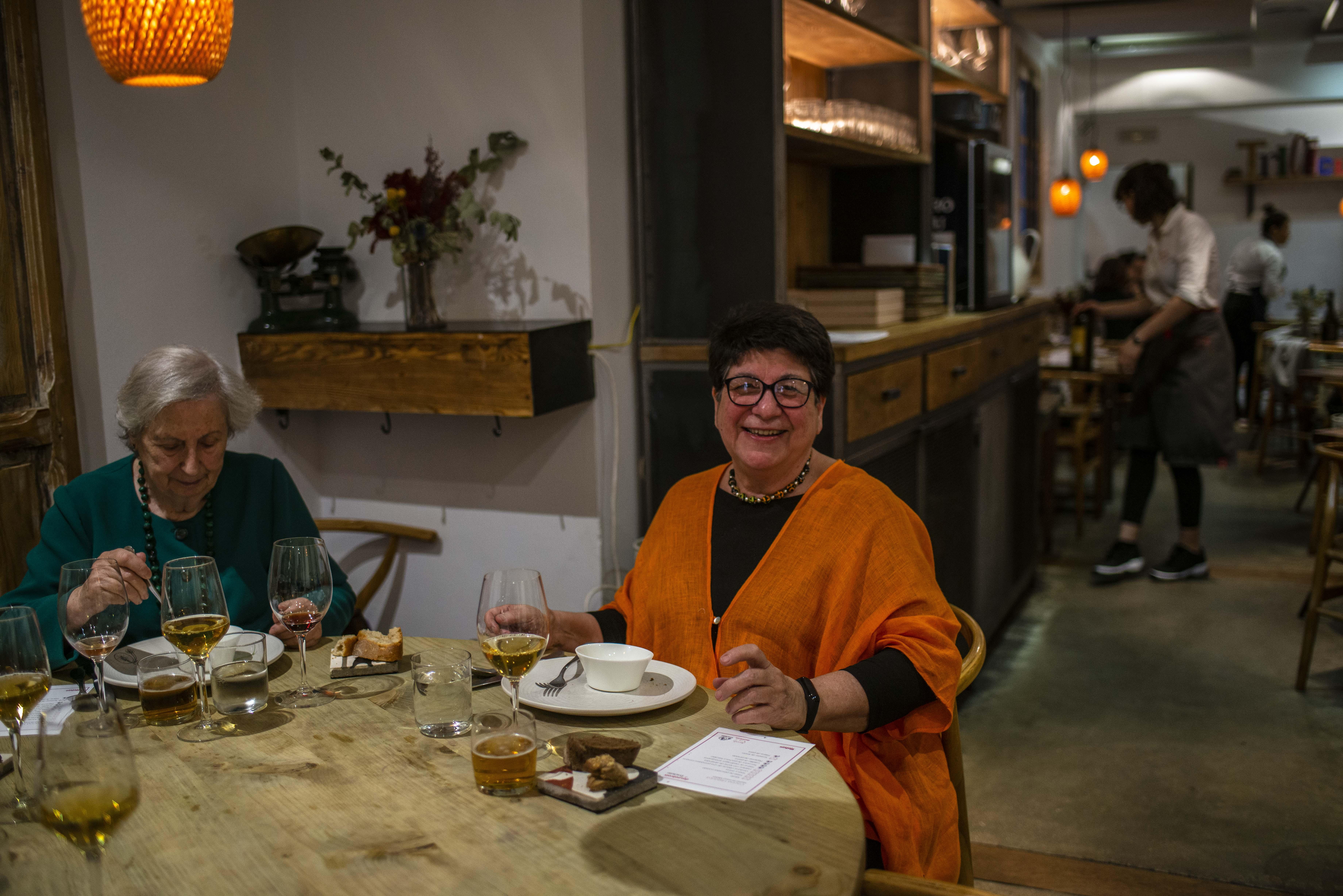 Rosa Tovar ha ayudado a Javier Goya a documentarse para elaborar parte del menú.