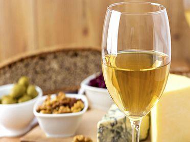 Top 5 vinos blancos para el aperitivo