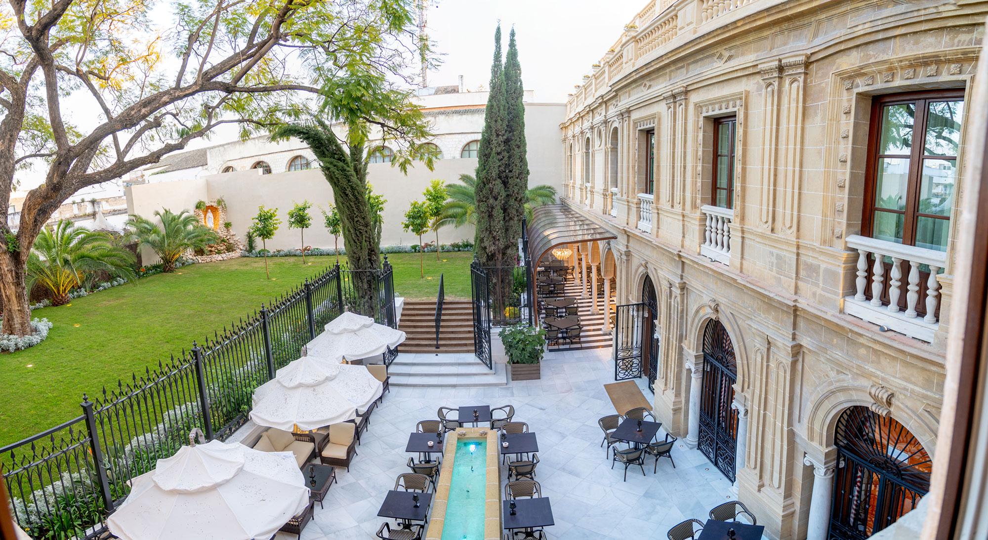 Las vistas desde la suite María Luisa dan al jardín del hotel.