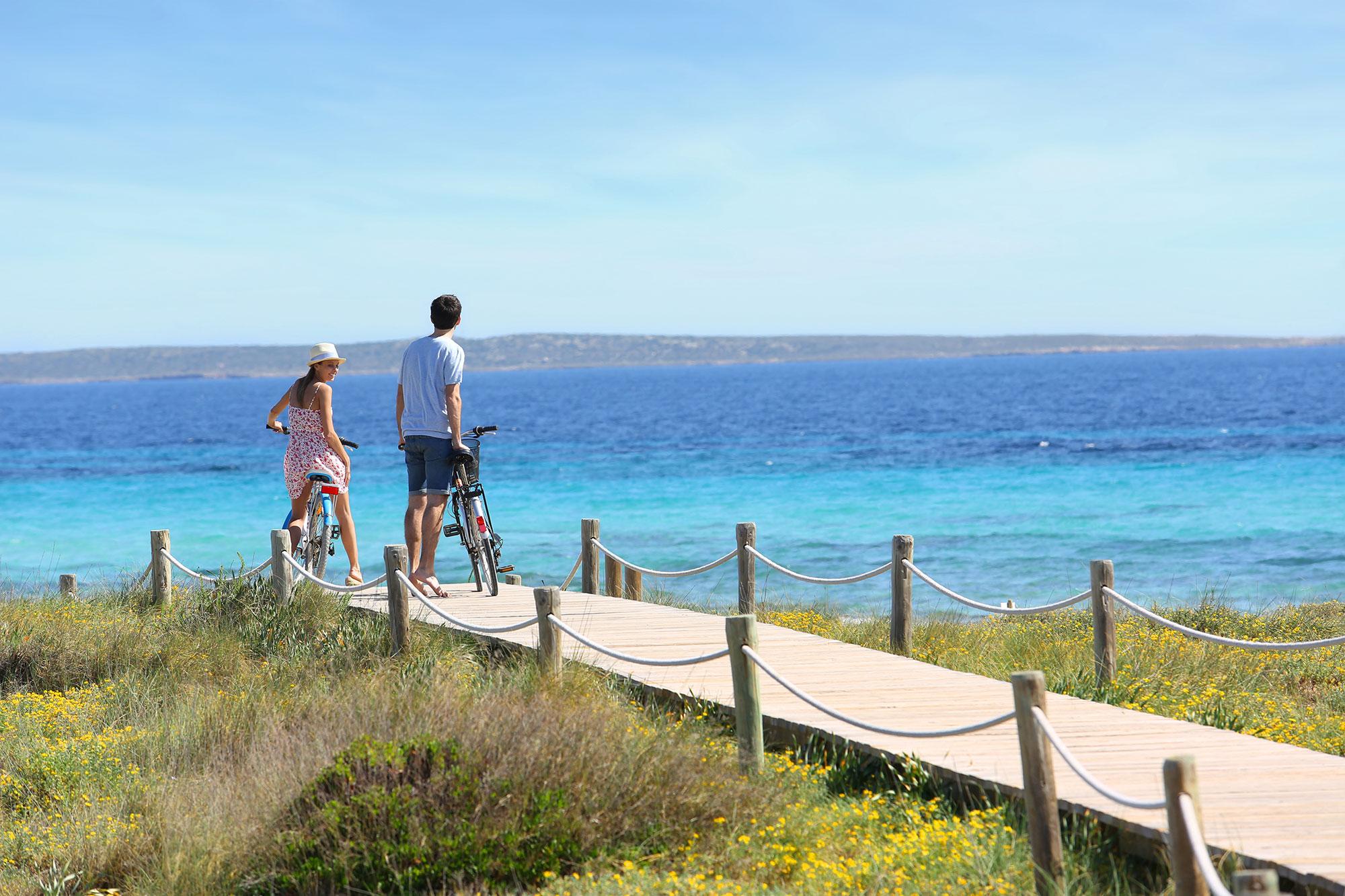 Formentera, una isla para descubrir al ritmo de la bici. Foto: Shutterstock.
