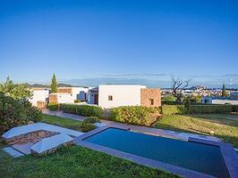 Un remanso de paz con vistas a la frenética Ibiza