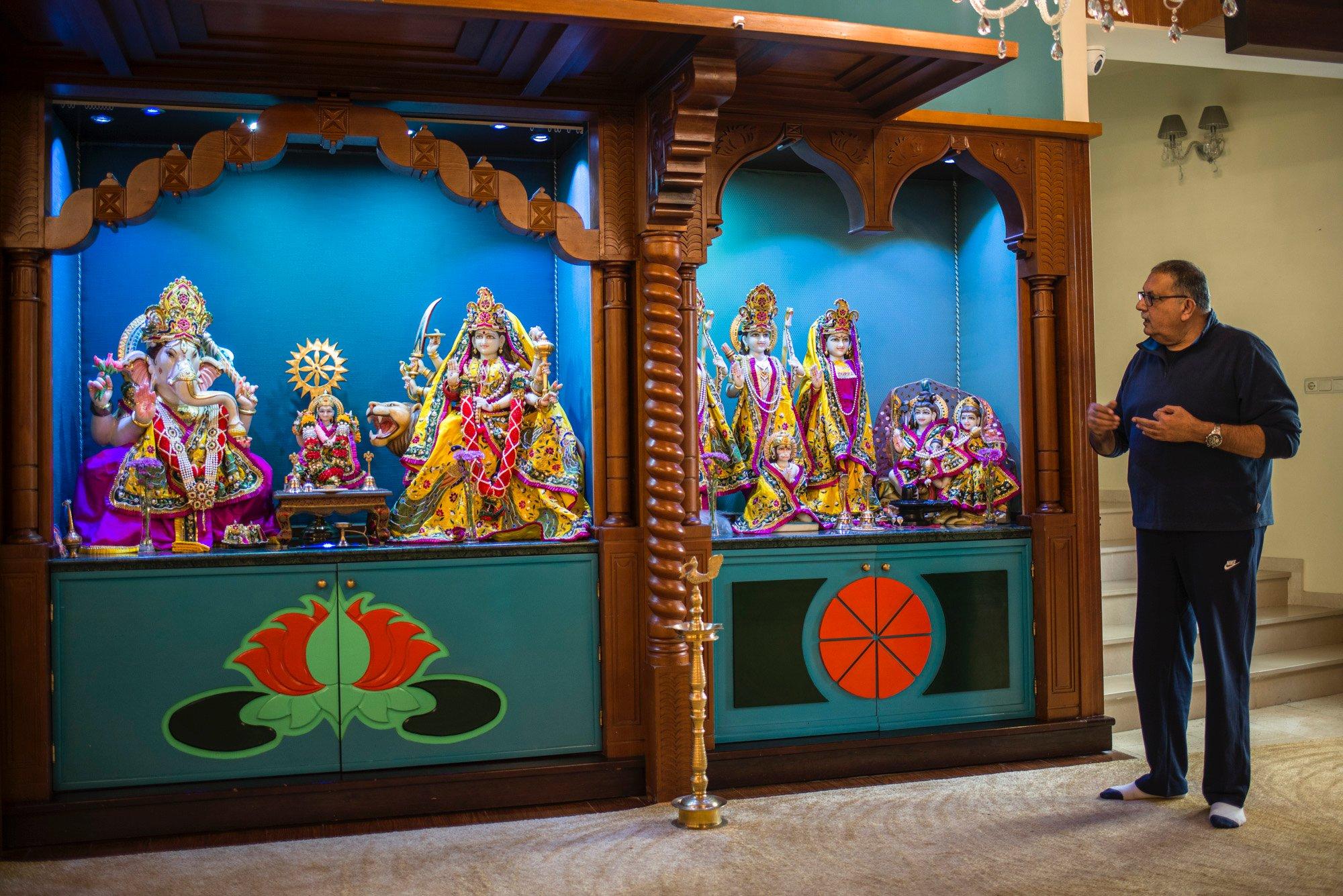 Ceuta: Ramesh Chandiramani, presidente de la comunidad hindú, en el Templo