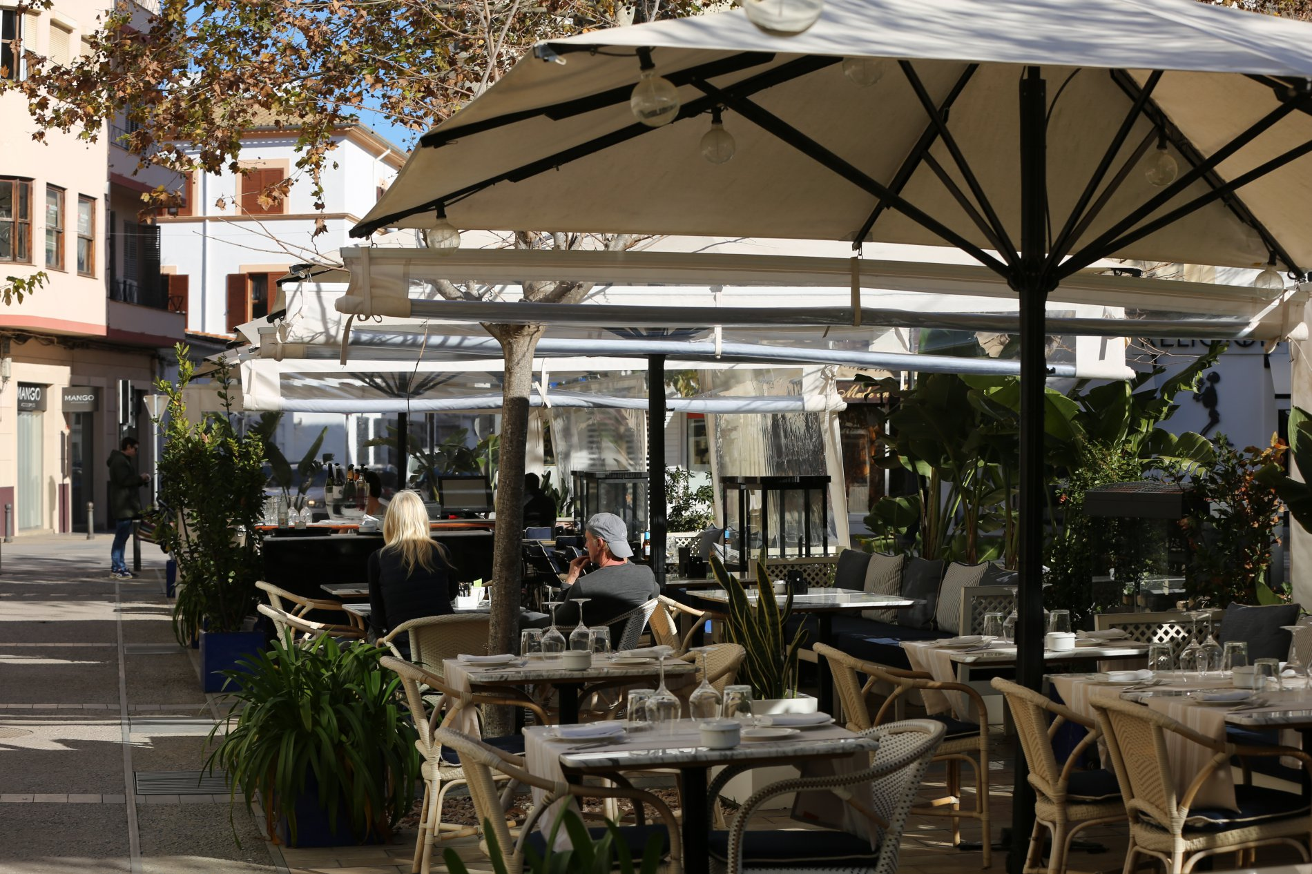 Ibiza en otoño e invierno: terraza del hotel 'Montesol by Hilton'