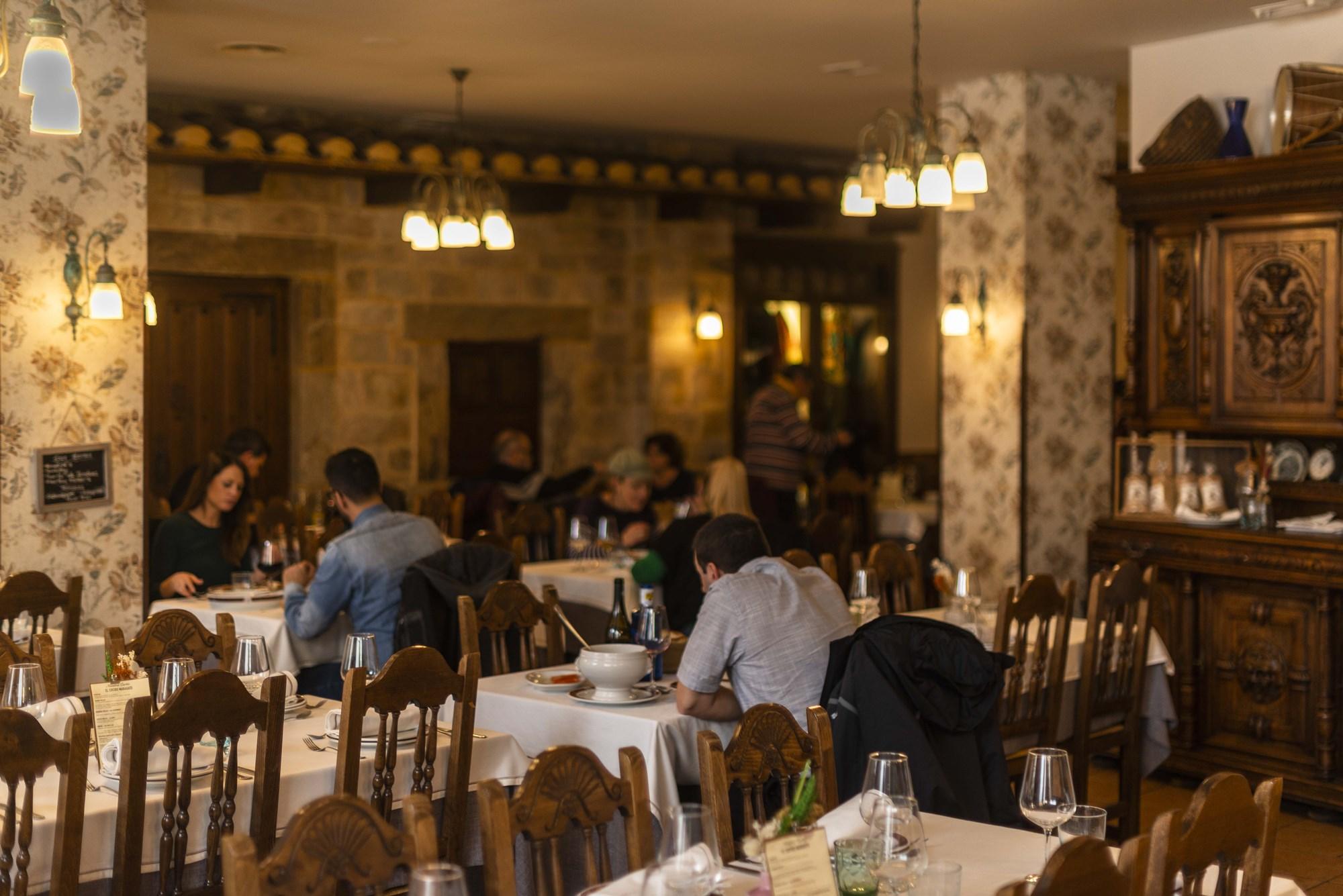 El comedor al inicio de un día de diario en Astorga.