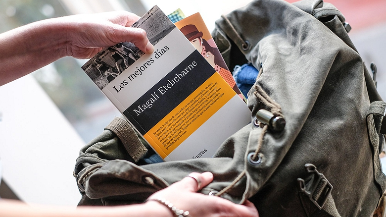 Libros cortos para llevar en la maleta