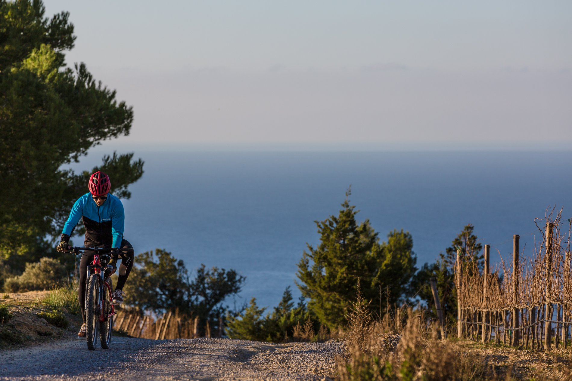 Ibiza en otoño e invierno: ruta ciclista por la reserva de Es Amunts