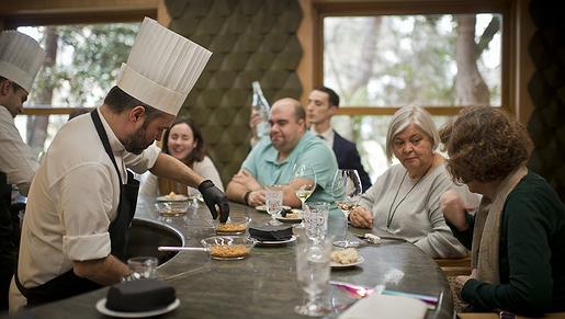 'A Barra', restaurante con gran barra gastronómica de Madrid