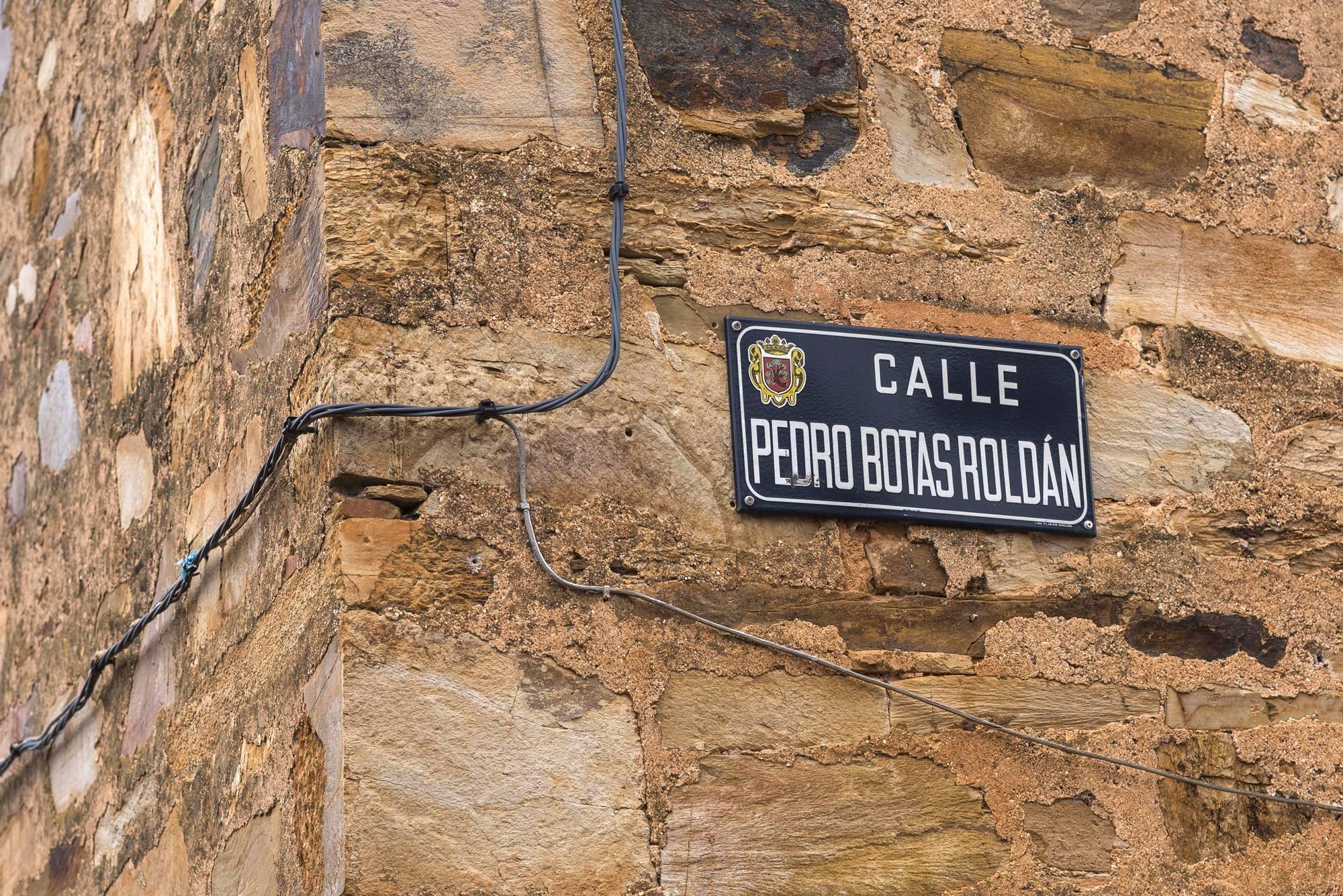Botas es uno de los apellidos puramente maragatos de Castrillo.