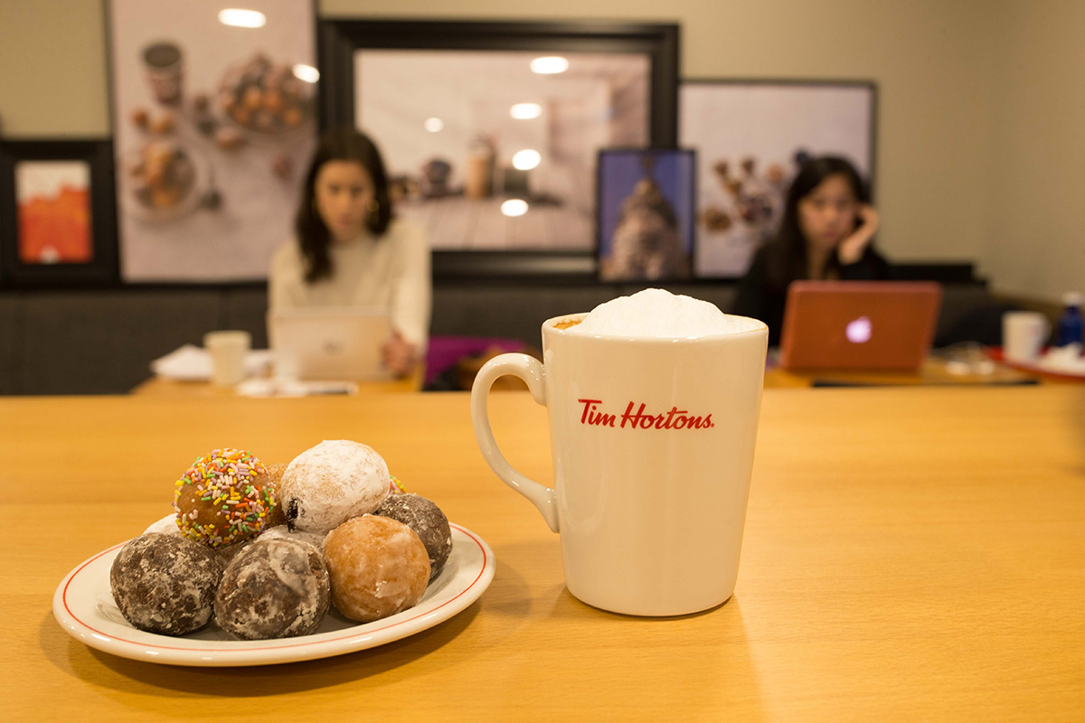 Tantos agujeros de donuts como te puedas imaginar en 'Tim Burtons'. Foto: Máximo García de la Paz.