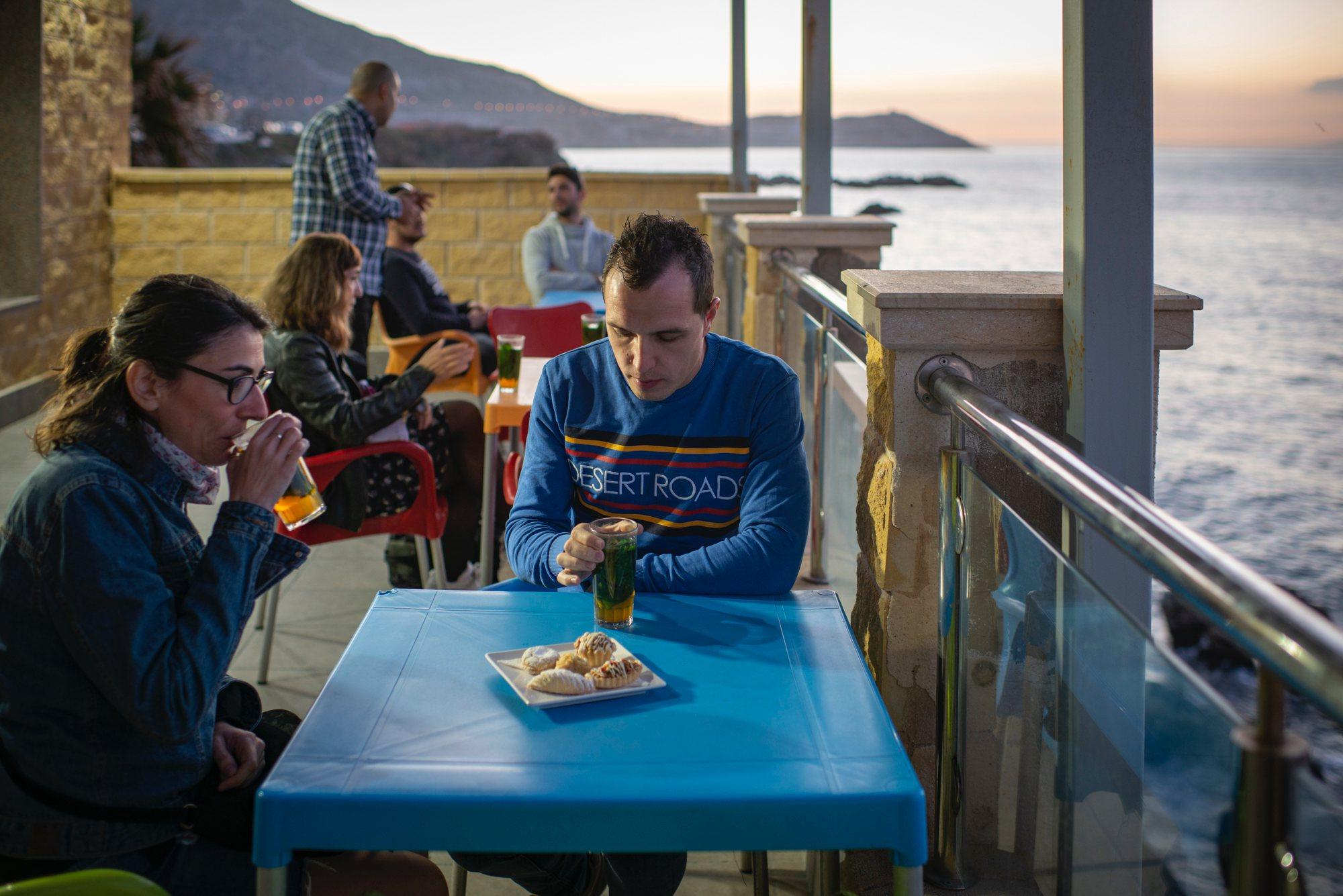 Ceuta musulmana: tomando un té moruno en la tetería 'La Terraza del Estrecho'