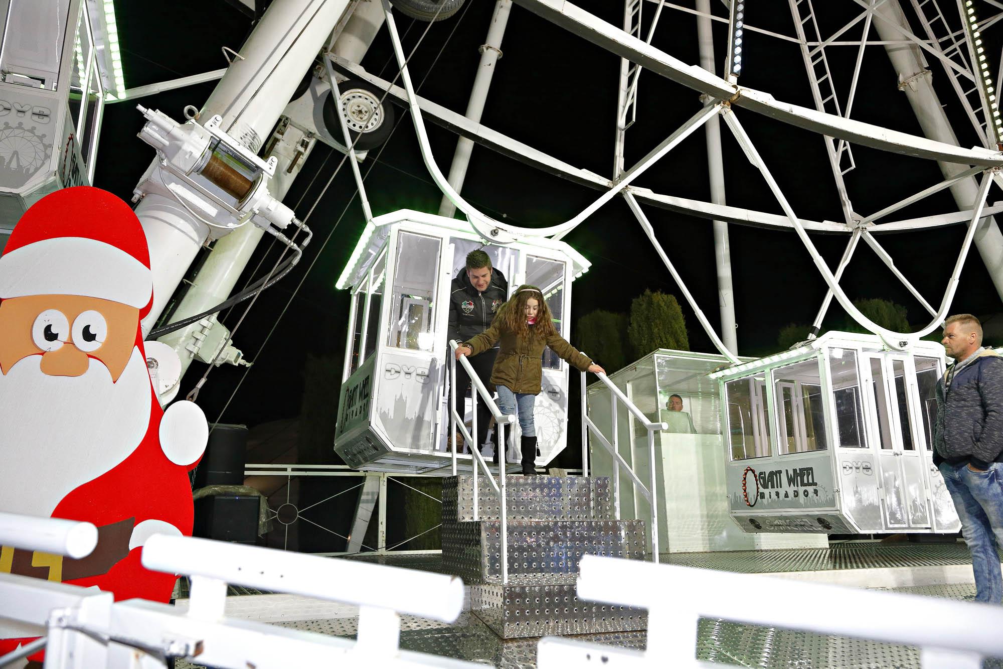 La noria del Recinto Ferial mide 40 metros de altura y ofrece vistas únicas de la ciudad.