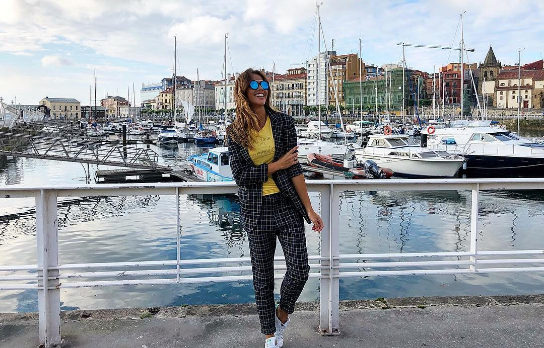 Lara Álvarez en el Muelle de Gijón