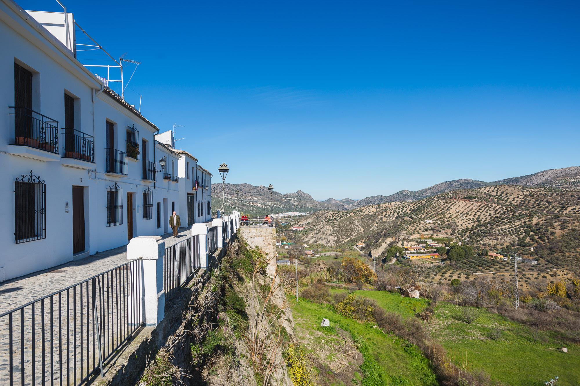 El Adarve, en la parte exterior del barrio de La Villa, es un balcón natural y resulta un mirador perfecto.
