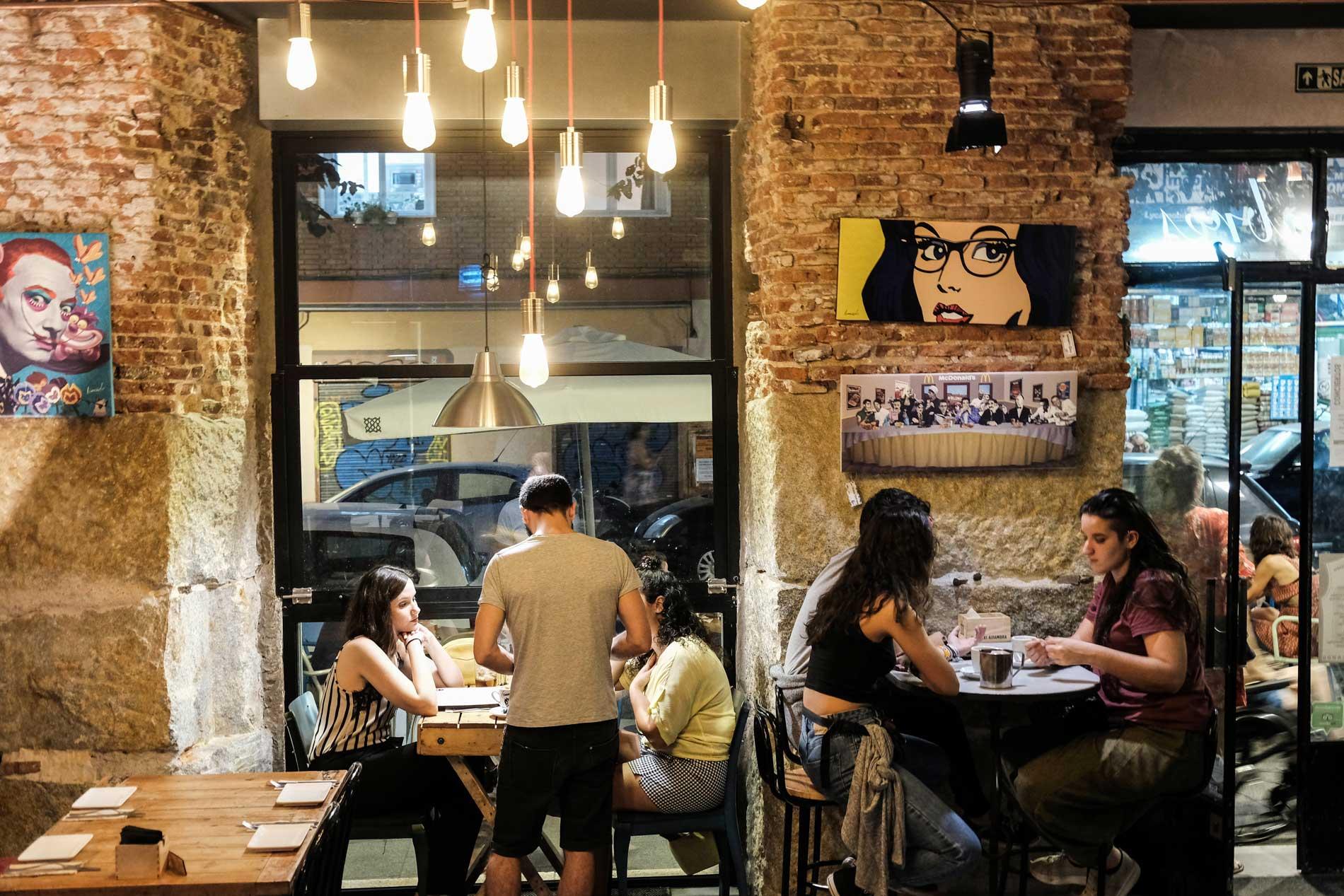 Para comidas o cenas, 'Juan Raro' es un buen punto de encuentro.