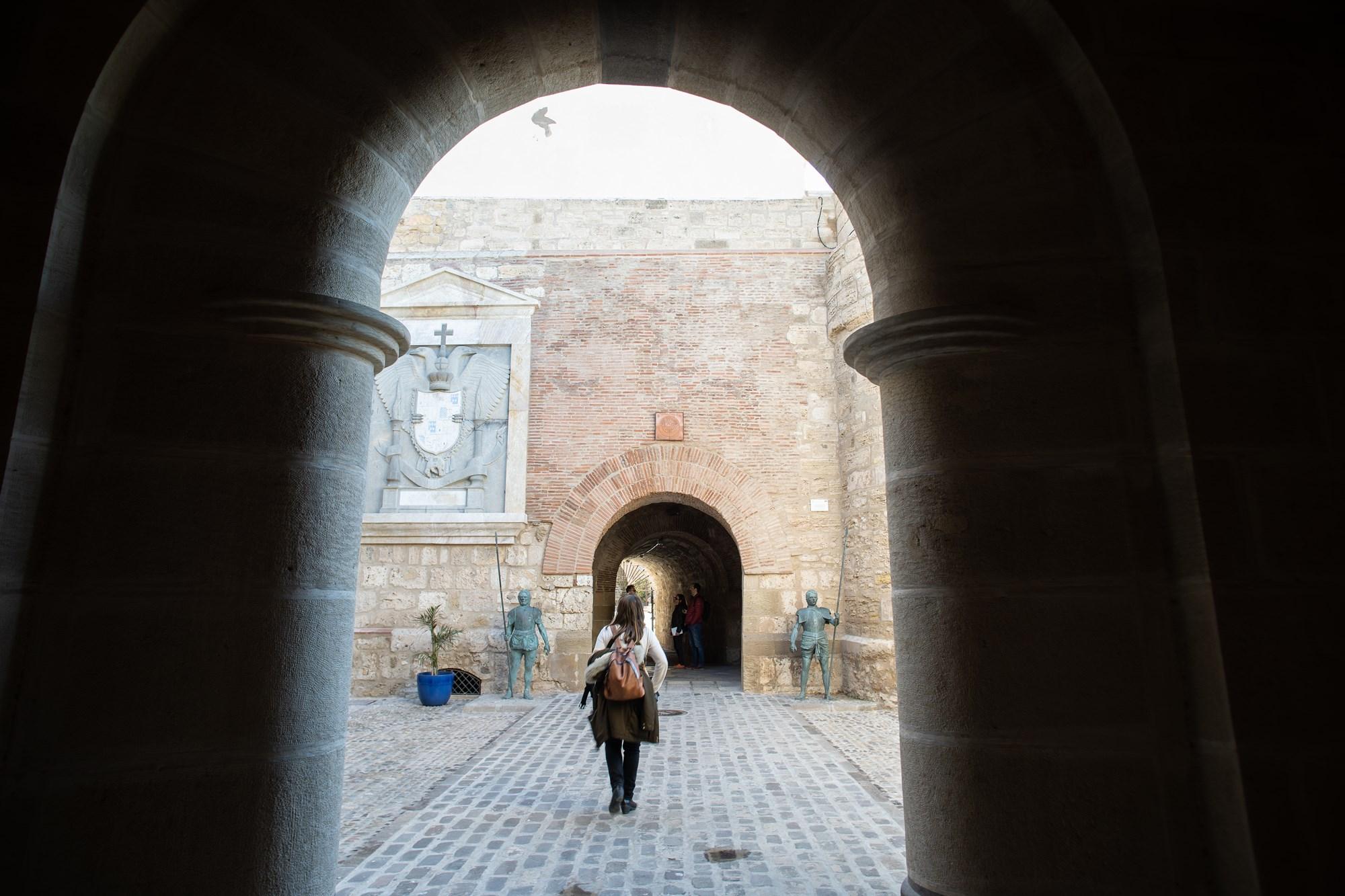 puerta de santiago melilla