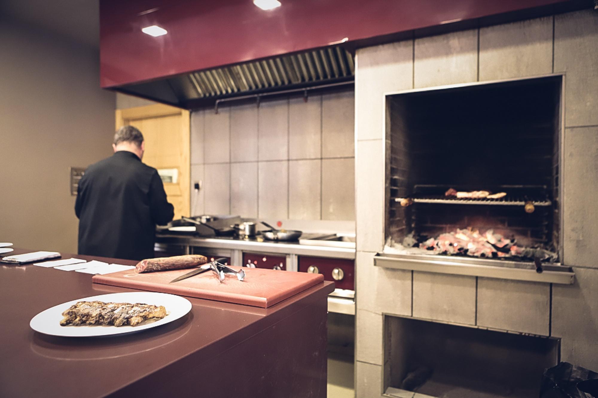 La cocina de 'Maskarada' es como sus platos, sencilla y sin extravagancias.