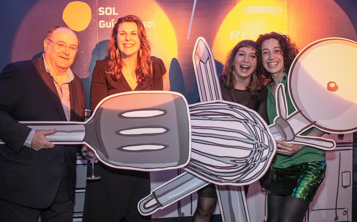 Fiesta Pre Gala Soles (San Sebastián) - Pedro, María, Pilar y Melinda en photocall