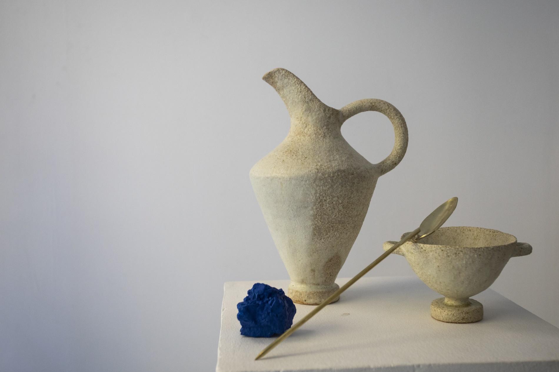 Últimamente se centran en un conjunto de piezas de color azul, únicas y minimalistas.