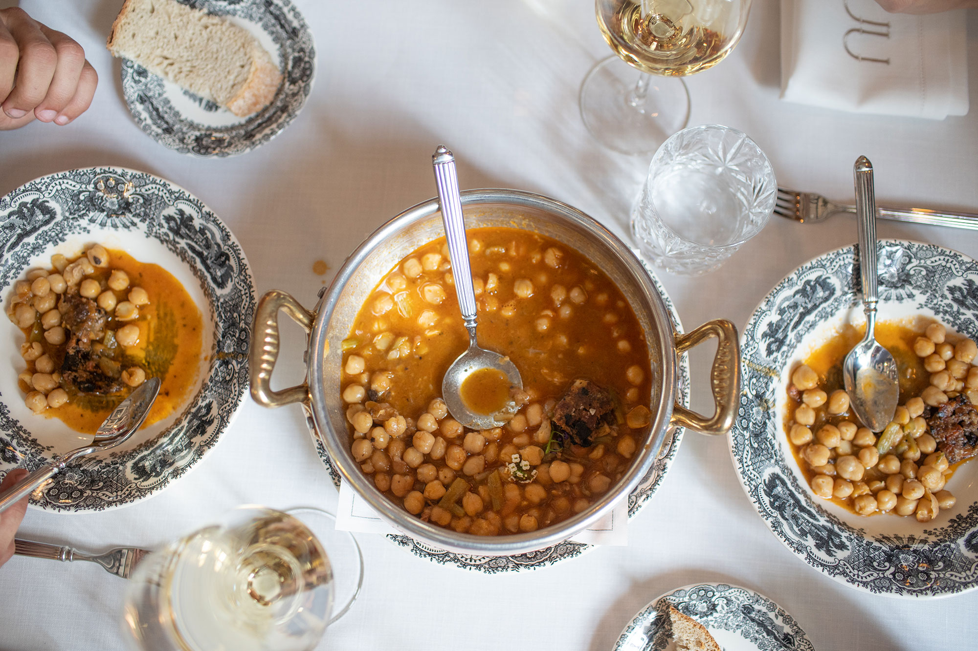 La berza gitana, uno de los platos estrella de 'T22'.