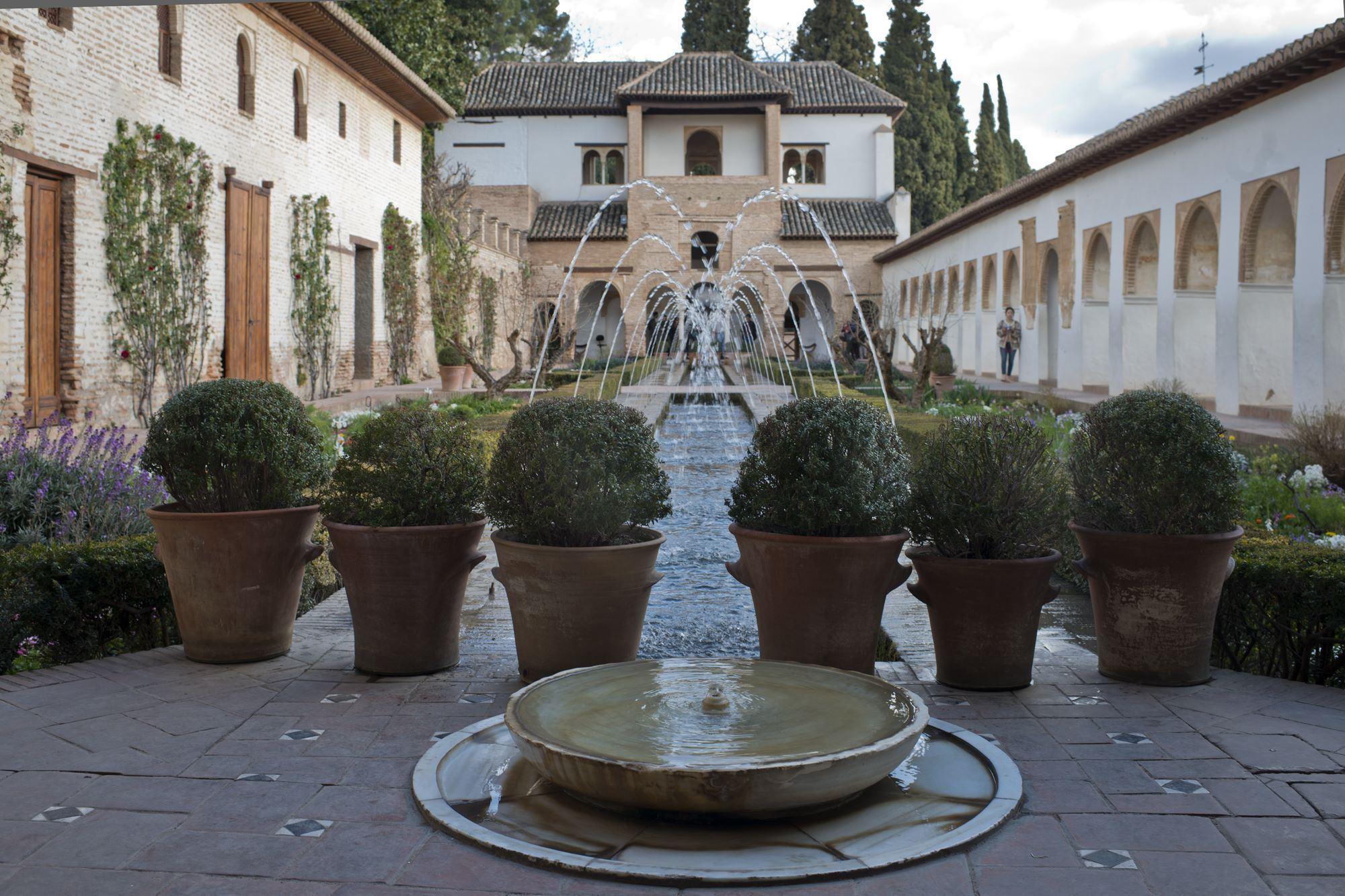 pabellon sur generalife alhambra granada