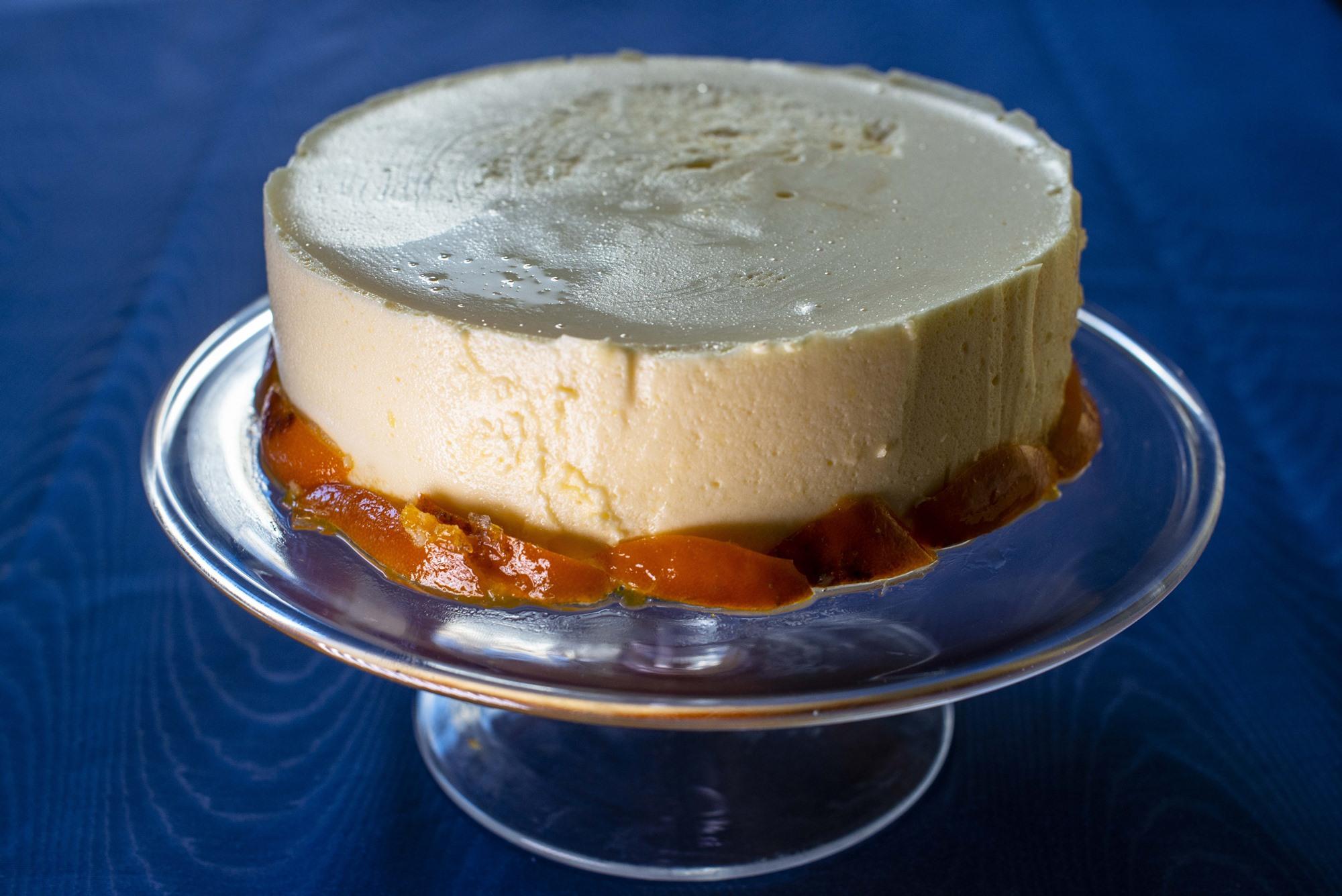 La opción de la tarta entera queda muy vistosa pero también es posible preparlo en pequeños pasteles.