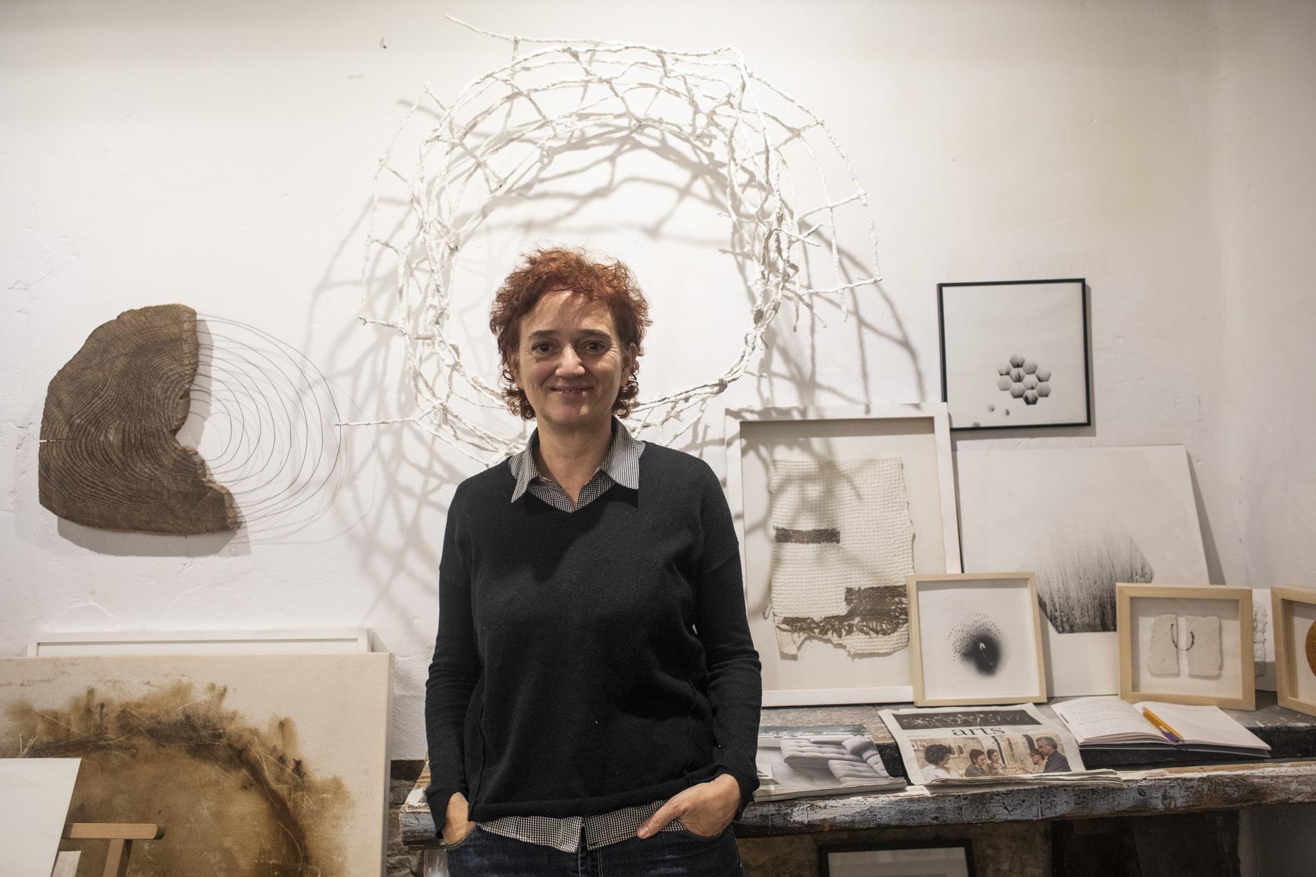 Elena Martí se centra en las formas orgánicas y naturales para sus creaciones.