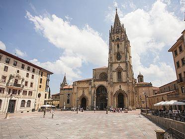 Rutas literarias: Las reliquias de la Catedral de Oviedo (Asturias) por los reverendos Joseph Townsend y George Borrow