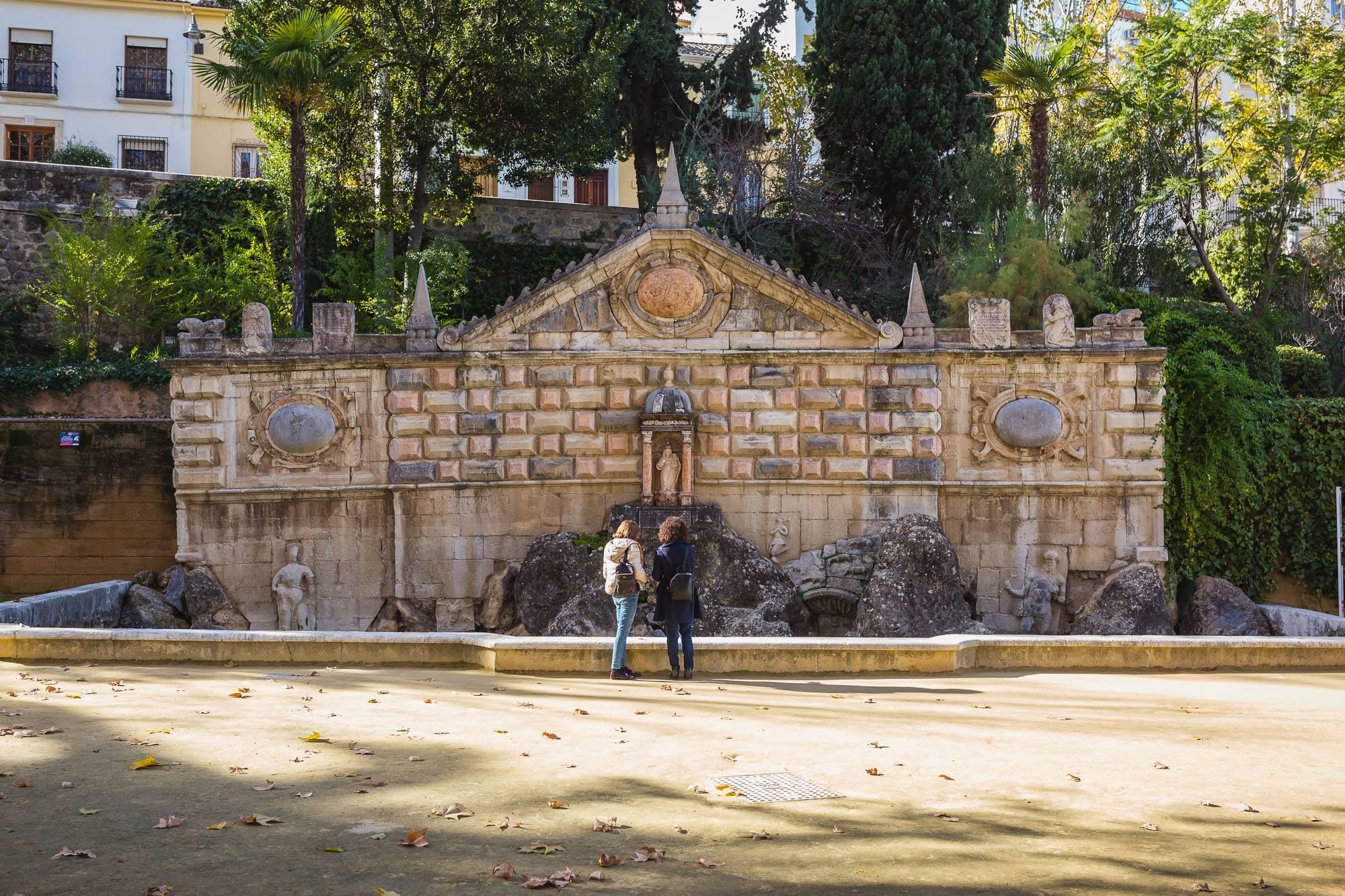 La Fuente de la Salud Rey fue erigida en el siglo XVI.