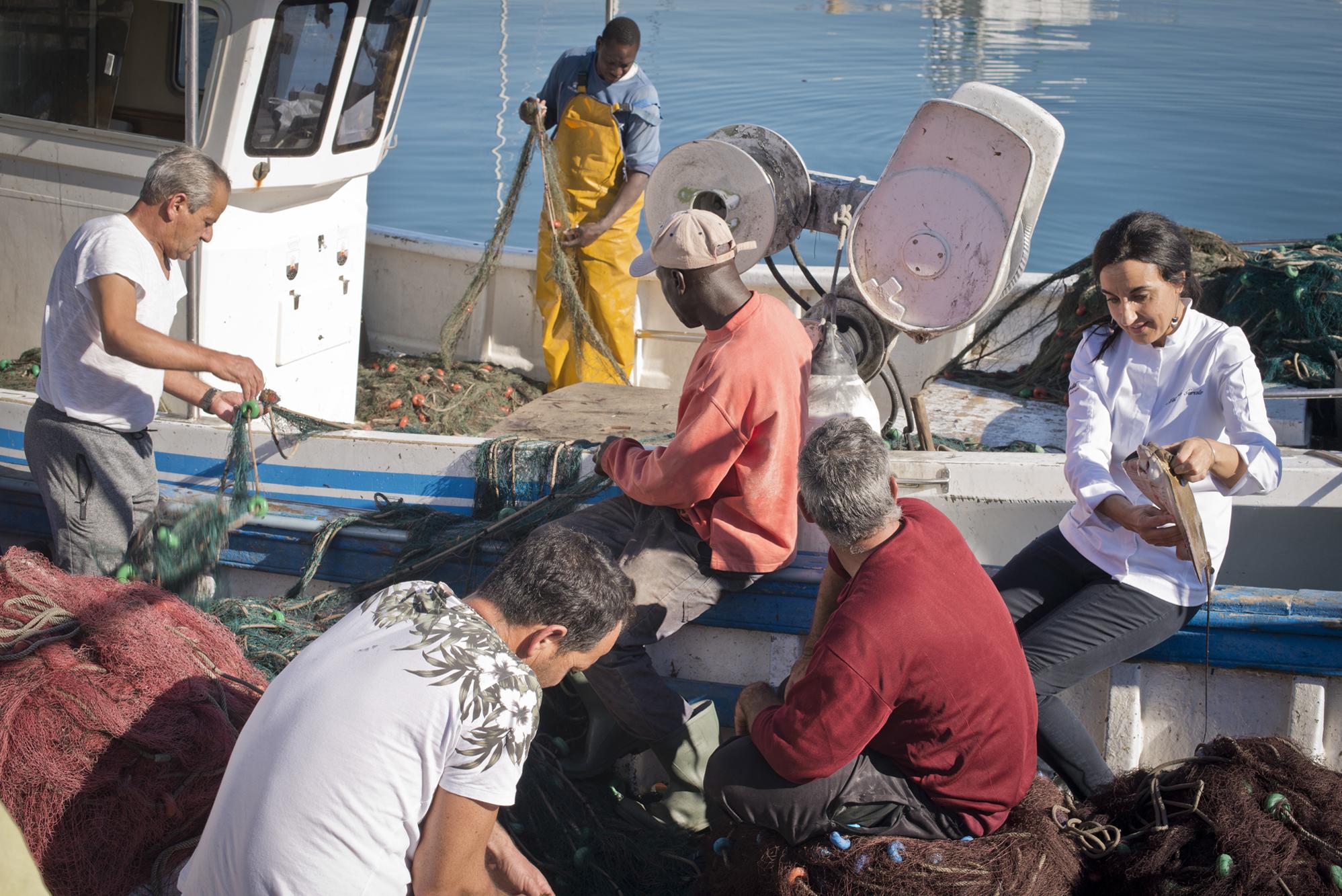 ¿Qué trae hoy el mar? 'Casa Alejandro' está justo frente al puerto de Roquetas.