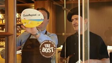 Soles Repsol 2018: el equipo de The Bost pega la pegatina