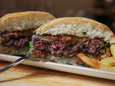 De hamburguesa en hamburguesa por Donosti
