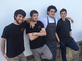 El caserio rescatado por cuatro cocineros noveles