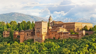 Rutas en moto por Granada, de la montaña a la costa